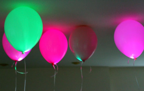 LED-Balloon-for-a-Glow-Party